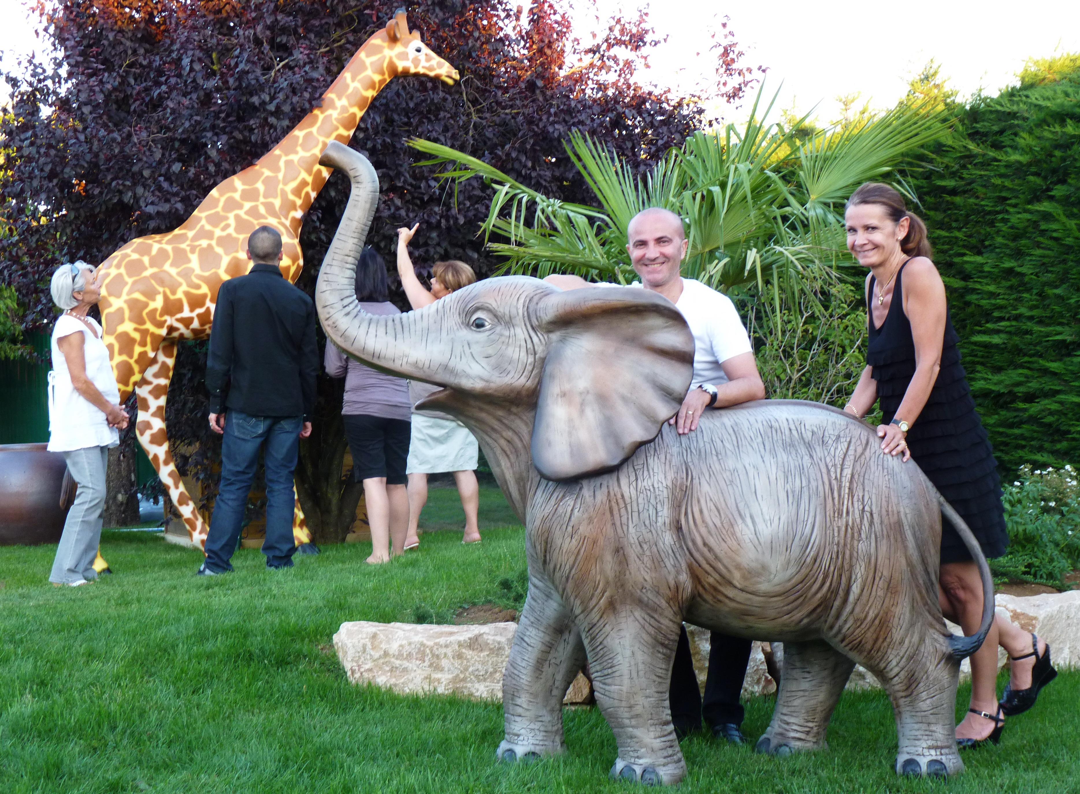 location animaux en resine plastique bebe elephant. Black Bedroom Furniture Sets. Home Design Ideas